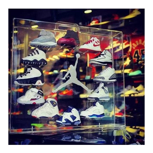 电视剧第九个�yi��aj:f�_广州球鞋名所xh55用 aj bb鞋做成的aj时钟已经让我留口水了!